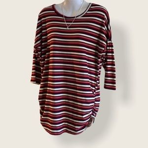 (M) Stretchy Striped 3/4 Sleeve Top in EUC !!!